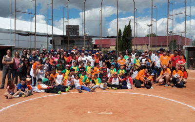 Exito de participación en la Clausura de la Liga Escolar de Sófbol 2018